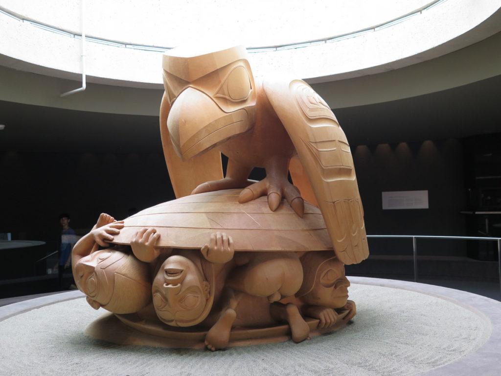 Skulptur von Bill Reid