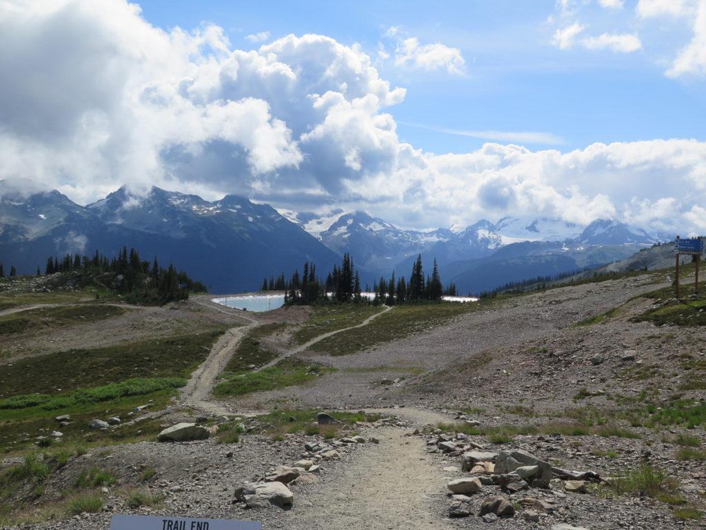 Whistler Mountain Blick auf Bergkette und See