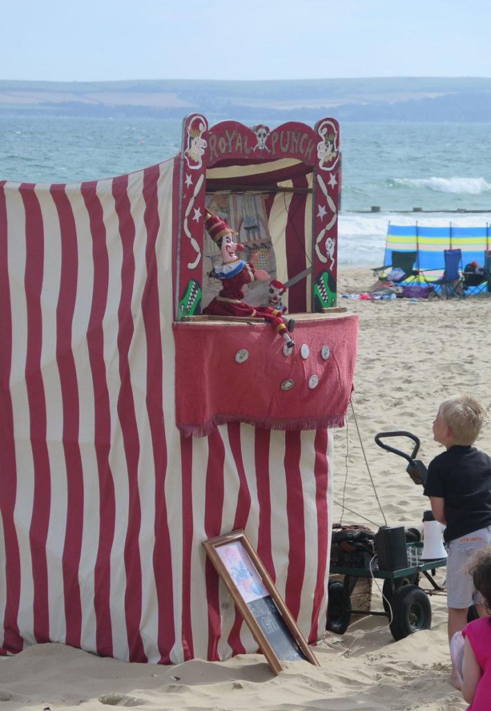 Kasperletheater am Strand von Bournemouth