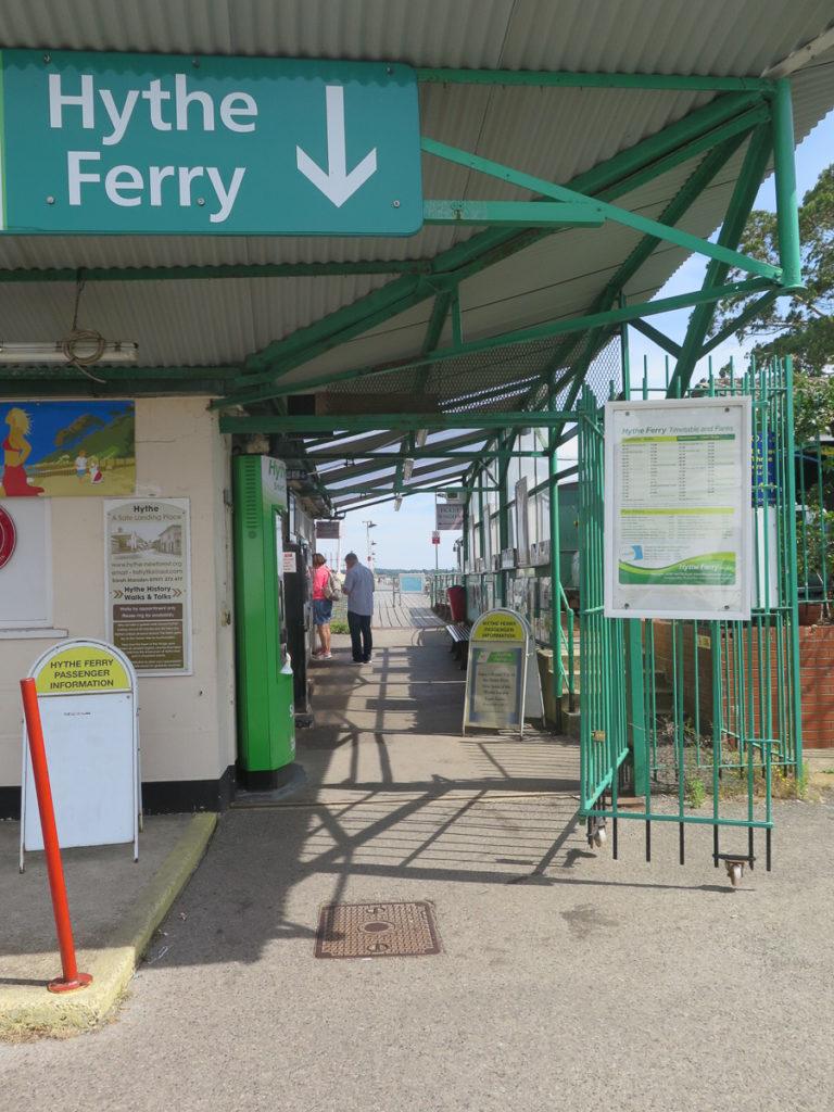 Kasse von der Hythe Ferry bei Southampton