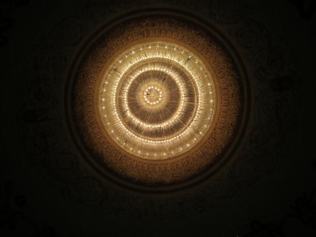 Kronleuchter im alten Mariinsky Theater St. Petersburg