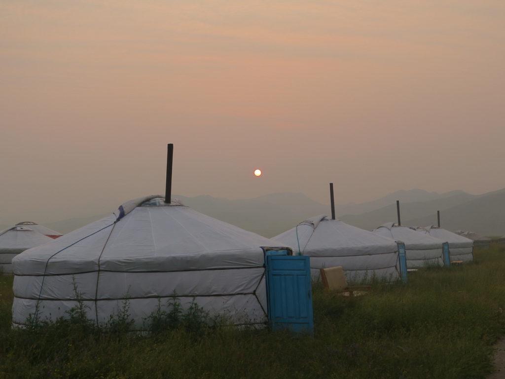 Jurtencamp Mongolei Sonnenuntergang