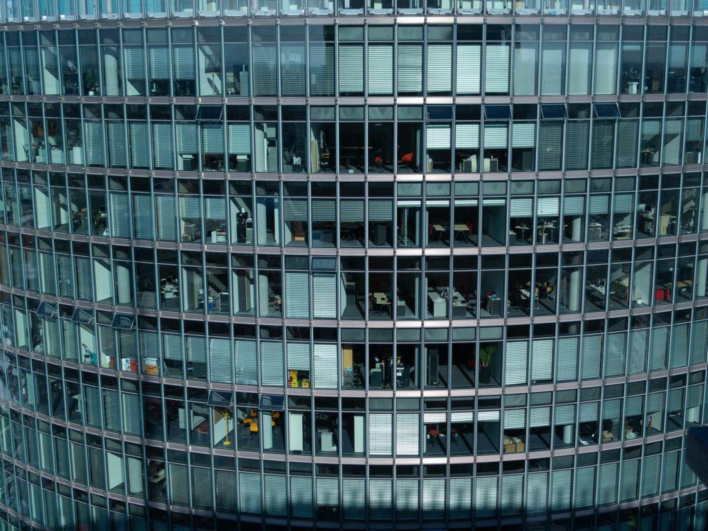 Glasfront, Bürogebäude