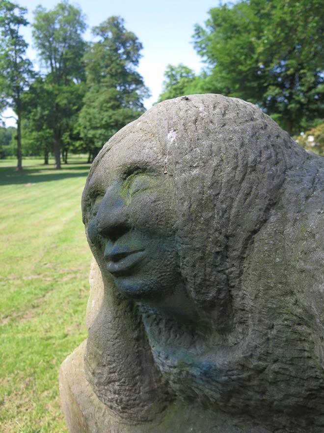 Skulptur Kopf im Schlosspark Bad Bentheim