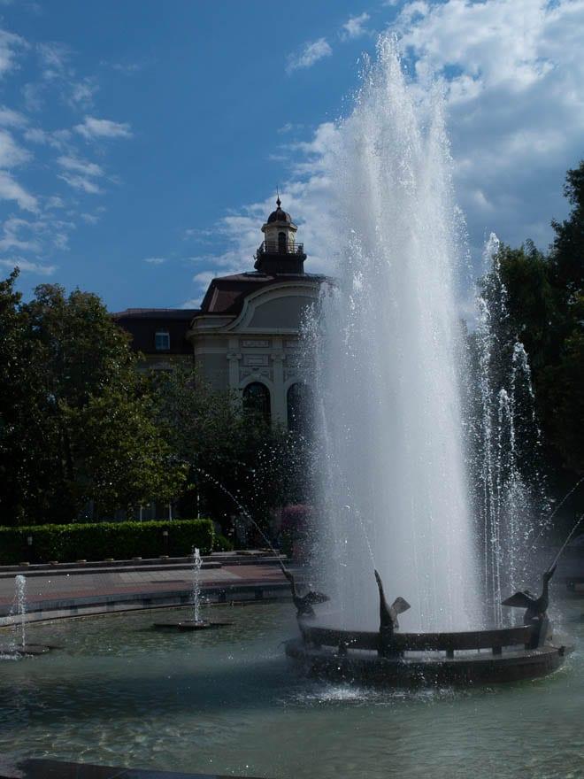 Plovdiv Fontäne beim Rathaus