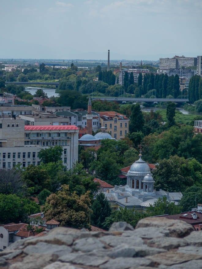 Aussicht auf Moschee und Fluss Plovdiv am Nebet Tepe
