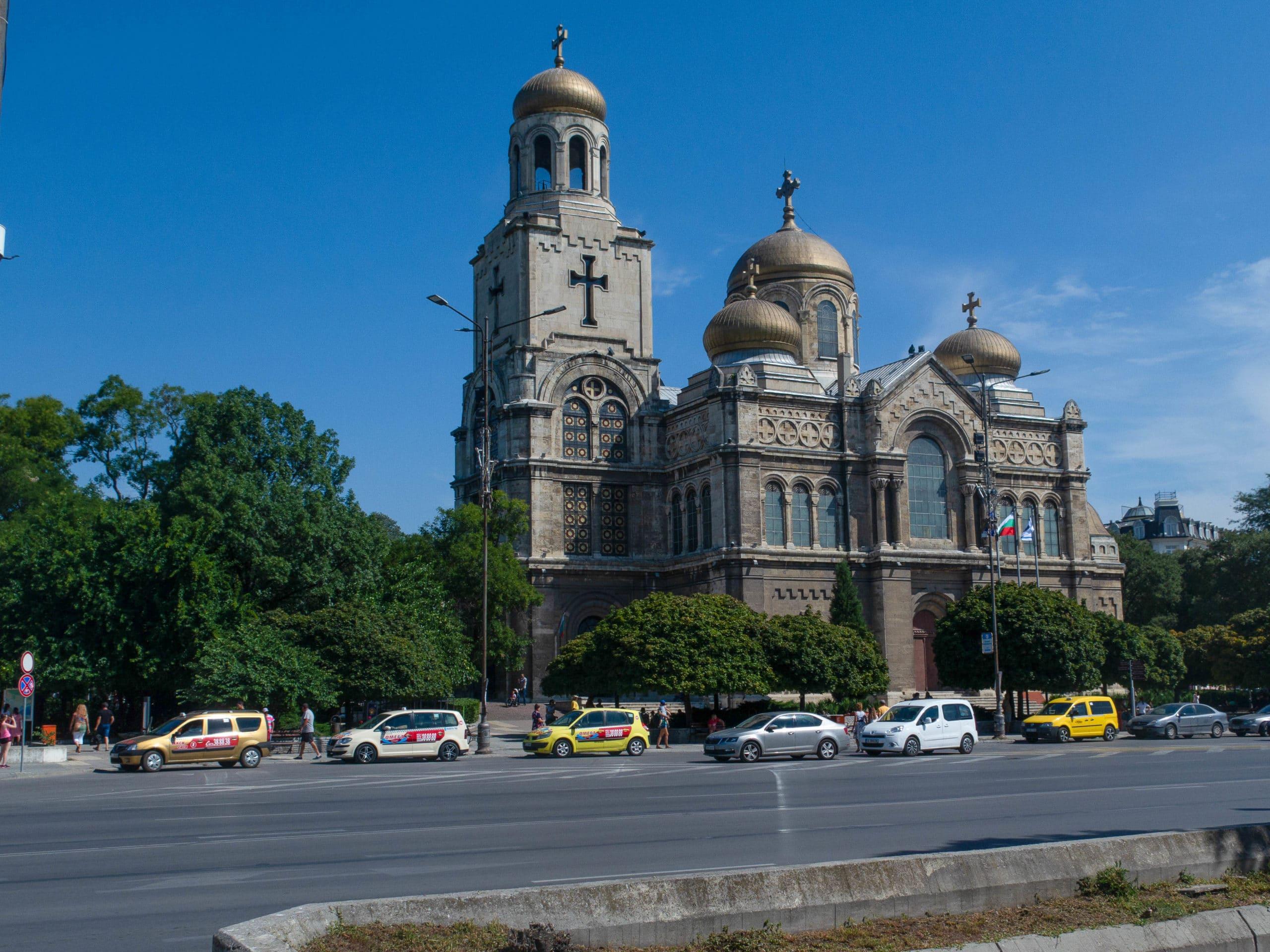 muttergotteskirche in Varna außenansicht