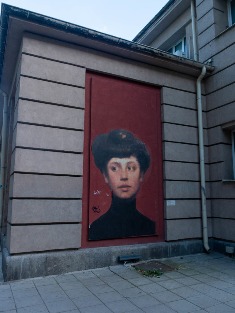 Sofia Wandmalerei Frauenkopf