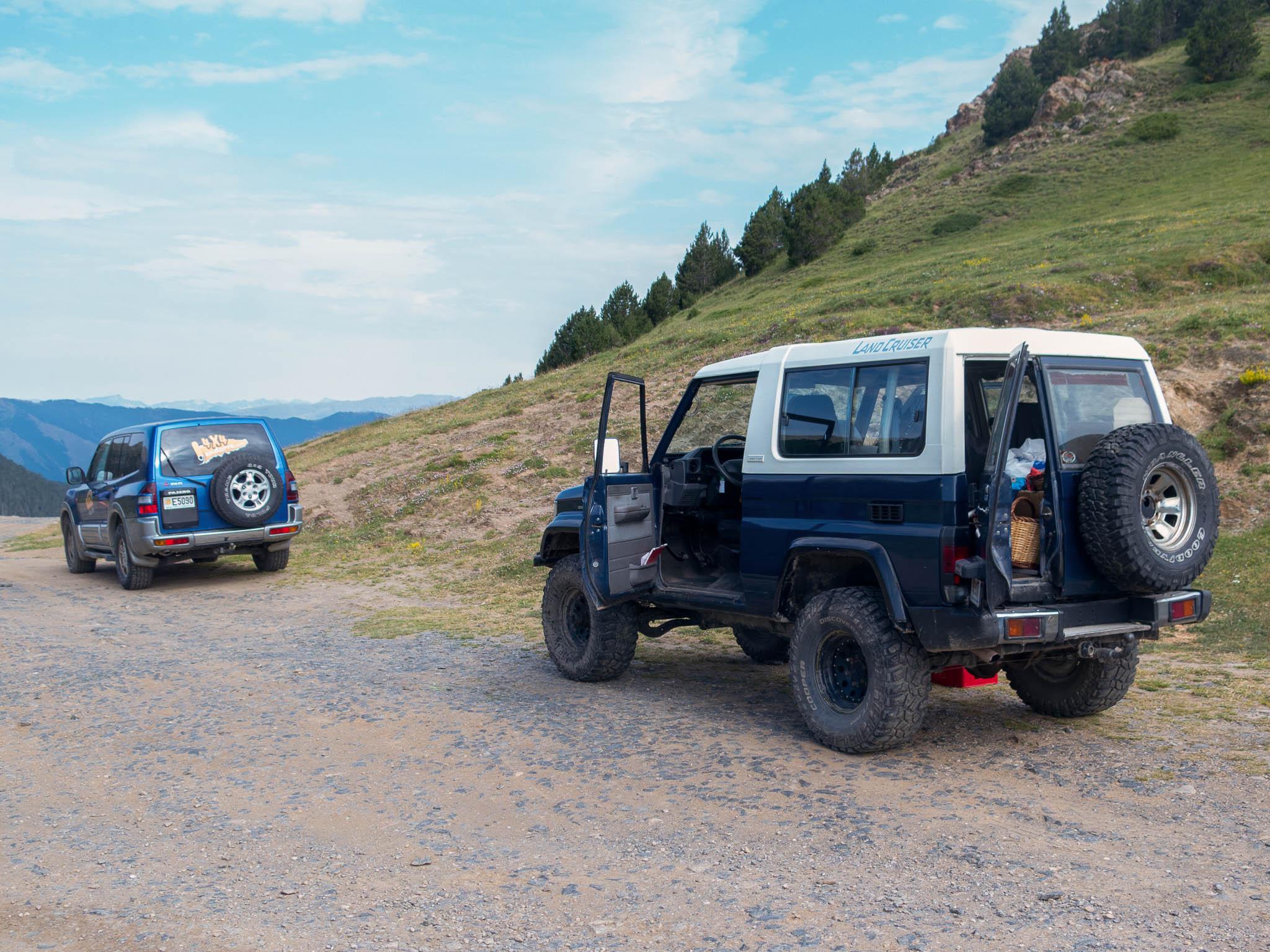 Geländewagen in den Bergen von Andorra