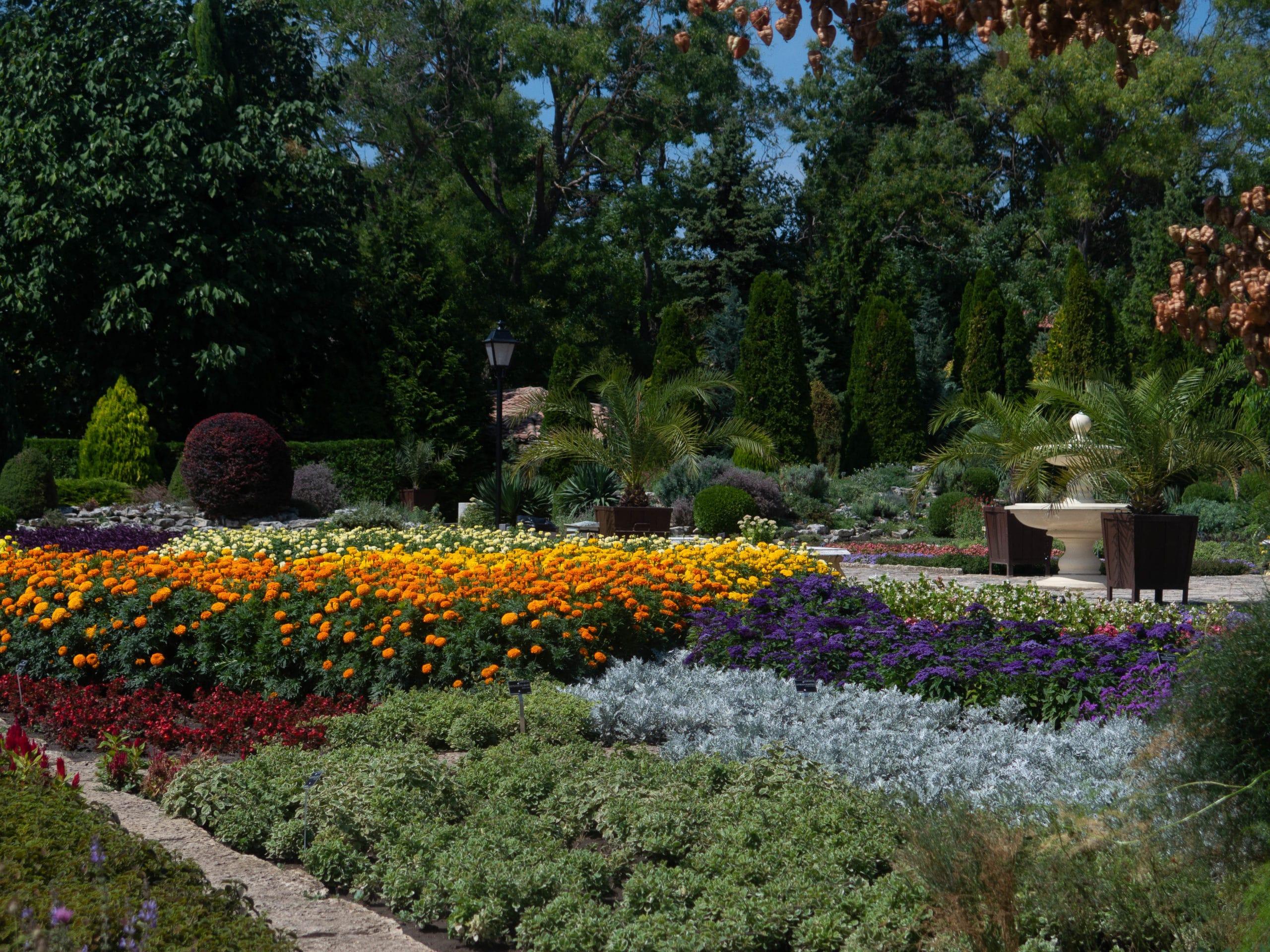Blumenbeete botanische Garten Balchik