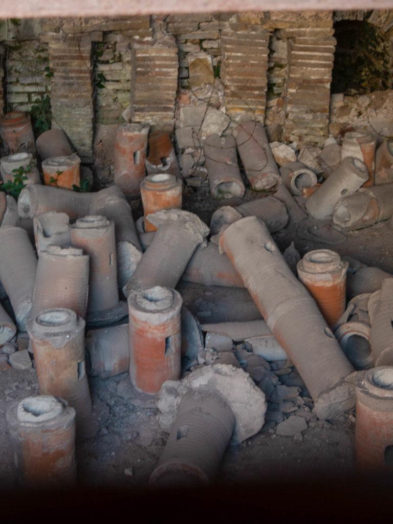 Alte Röhre beim römischen Bad in Varna