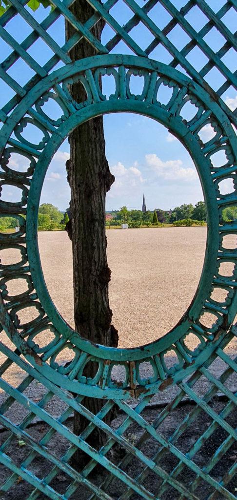 Durchblick von Sanssouci nach Potsdam